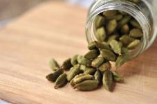 Cardamom (Elakkaai) (10 Grams)