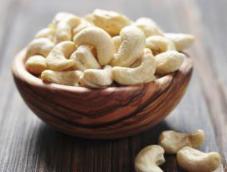 Cashew Nuts (Mundhiri Paruppu) (100 Grams)